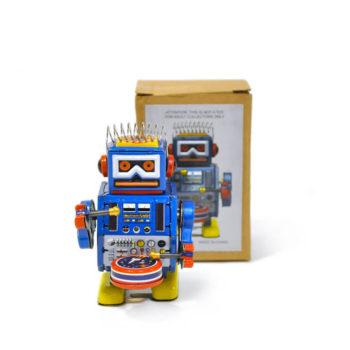 Robot clásico a cuerda