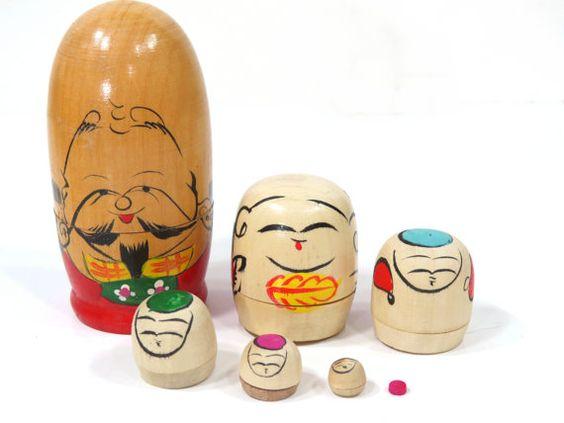 Conjunto de figuras anidadas de Japón