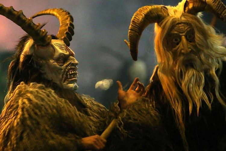 El demonio Krampus en las calles de Austria