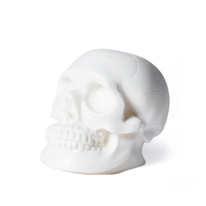 Skull-shaped night lamp by Heico brand