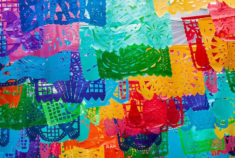Papel picado, una de las artesanías más populares de México