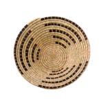 Plato de fibra vegetal decorativo y fabricado en Tanzania